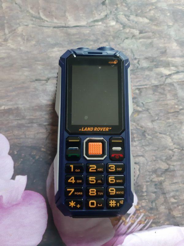 dien-thoai-4-sim-land-rover-k999-pin-khung-1